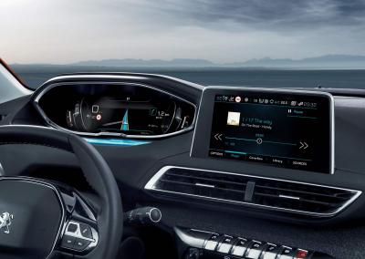 Peugeot 3008 Armaturenbrett mit hochauflösendem I Cockpit und Touch Screen