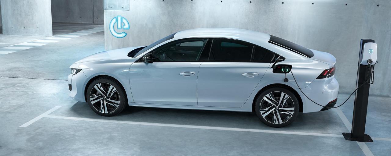 peugeot-plug-in-hybrid-unsere-modelle-peugeot-508-limousine-hybrid.459826.43